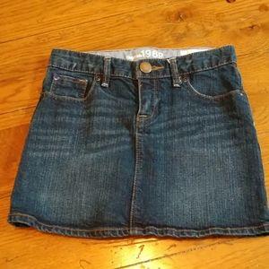 Gap kids denim skirt, size 7 regular